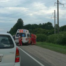 """Ringauduose – BMW ir """"Audi"""" kaktomuša, nukentėjo trys žmonės"""