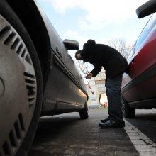 Iš Šiaulių rajono gyventojų pavogti du automobiliai