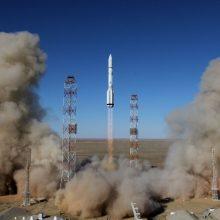 """Rusijos raketa """"Proton"""" į kosmosą iškeltas britų ryšio palydovas"""