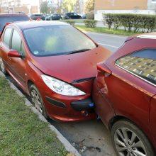 Po daugiabučio langais Klaipėdoje – masinė avarija