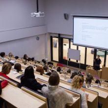 Kolegijose siūloma leisti profesines magistro studijas
