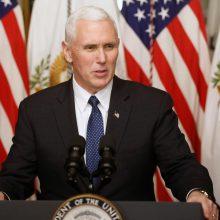 M.  Pence'as: D. Trumpas tikisi realios pažangos dėl NATO šalių išlaidų gynybai