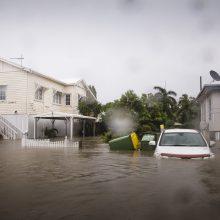 """Australijos šiaurę skandina """"didžiausi per šimtmetį"""" potvyniai"""