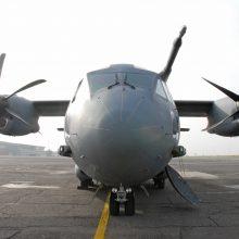 Oro pajėgos įpareigotos nutraukti brangios ledo šalinimo mašinos pirkimą