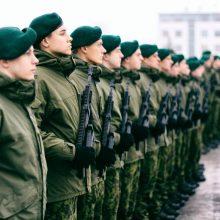 Kariuomenė žada užpildyti jaunesniųjų karininkų trūkumą