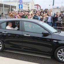 Paaiškėjo automobilio, kuriuo Lietuvoje keliavo popiežius, likimas