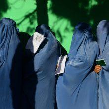 Kruvini rinkimai Afganistane: balsavimo punkte susisprogdino savižudis