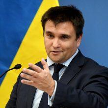 Ukrainai – raginimas nelėtinti reformų tempo