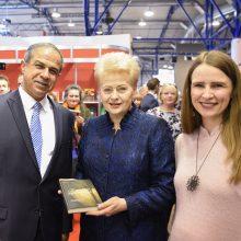 Šimtmečio estafetę perima tarptautinė knygų mugė