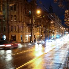 Trečiadienio vakarą ir naktį eismo sąlygas sunkins plikledis