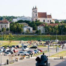 Sukryžiavo ietis dėl kultūros paveldo šalia Lukiškių aikštės
