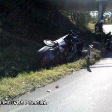 Trakuose – šiurpi avarija: nuo viaduko nukrito automobilis, žuvo žmogus