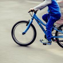 Nelaimė Vilniuje: paauglį su dviračiu kliudė iš aikštelės išvažiuojanti mašina