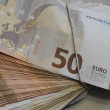 Ministerija siūlo vaiko pinigus didinti nuo 30 iki 50 eurų