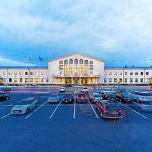 Vilniaus oro uoste – didesnė mašinų aikštelė pasitinkantiems keleivius