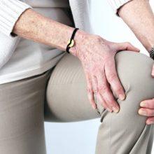 Sąnarių skausmas signalizuoja apie ligą, kurią gydyti privalu