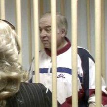 ES smūgis Maskvai: kaltina dėl buvusio šnipo apnuodijimo, atšaukia ambasadorių