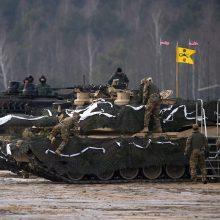 NATO planuoja Lenkijoje pastatyti JAV karinės technikos sandėliavimo kompleksą