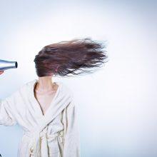Penki ritualai, kurie žiemą padės plaukams išlikti sveikais ir gražiais