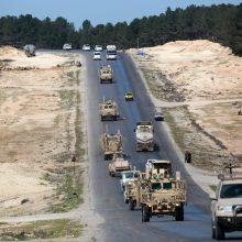"""D. Trumpas skelbia pergalę kare prieš """"Islamo valstybę"""" Sirijoje"""