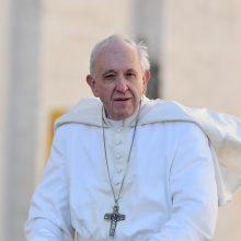 Popiežius ragina susiskaldžiusią Kinijos katalikų bendruomenę siekti susitaikymo