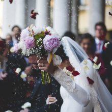 Per vestuves nuotakai peršovė koją – tai nesutrukdė tapti žmona