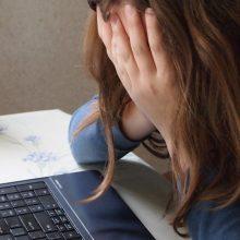 Mielai nusnaustumėte ant darbo stalo? Gydytojas siūlo sprendimą