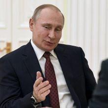 G7 baigiamajame pranešime – kritika dėl Rusijos kišimosi į demokratines sistemas