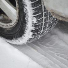 Kaune – ypač slidūs keliai, pasipylė avarijos