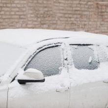 Vilniuje vagys apgadino automobilius