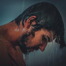 Vyrų odos priežiūra: micelinis vanduo skirtas ne tik moterims