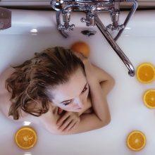 Ar jūs, besirūpindama intymia higiena, nepersistengiate?