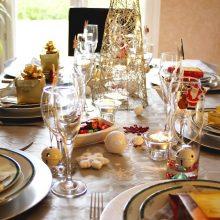 Artėja šventės: kaip nepersivalgyti ir ką daryti, jei jau taip atsitiko?
