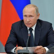 V. Putinas kreipėsi į tautą: siūlo švelnesnes pensijų sistemos reformas