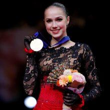 16-metė Rusijos čiuožėja pirmą kartą tapo pasaulio čempione