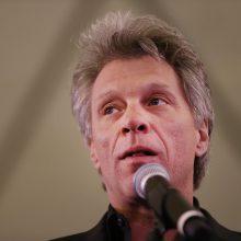 Jono Bon Jovi restoranas nemokamai maitins priverstinai atostogaujančius darbuotojus