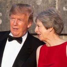 Didžiojoje Britanijoje viešintis D. Trumpas griežtai supliekė Th. May strategiją
