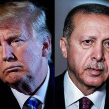 Diplomatinis ginčas padeda R. T. Erdoganui kaltę dėl ekonominių problemų suversti JAV