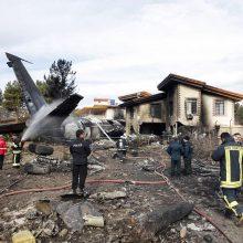 Irane sudužo karinis transporto lėktuvas: žuvo 15 žmonių