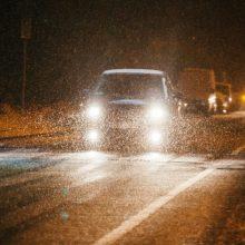 Būkite atsargūs kelyje: vietomis eismo sąlygos – nepavydėtinos