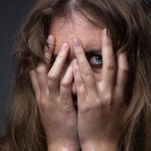 Tardymo izoliatoriaus prižiūrėtojui – kaltinimai smurtu prieš girtą žmoną