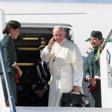 """Dėl uragano """"Irma"""" pakeistas popiežiaus lėktuvo maršrutas"""