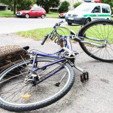 Panevėžyje į automobilį atsitrenkė 13-metis dviratininkas