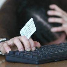 Bendrovės buhalterė sukčiams pervedė beveik 100 tūkst. eurų