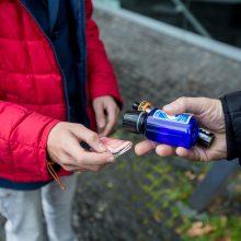 Prieinamumas: dažniausiai elektroninių cigarečių ir priedų vaikai įsigyja iš vyresnių draugų arba internetu.