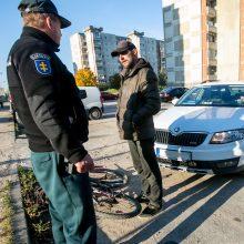 Savaitgalį Kauno pareigūnai pažeidėjus tramdė slaptu ginklu: pažeidėjų – apstu