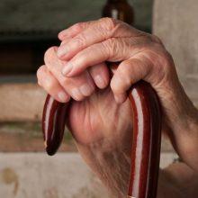 Senjorė gydytoju apsimetusiam sukčiui į rankas atidavė per 8 tūkst. eurų