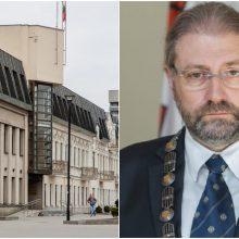 Į laisvę išleistas korupcija įtariamas Panevėžio meras nušalinamas nuo pareigų