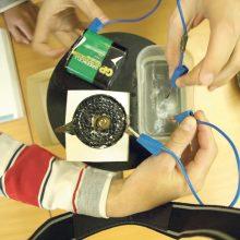 Fizikos pamokose vaikai tampa mokslininkais ir robotų kūrėjais