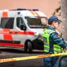 Tragedija Šiauliuose: iš balkono iškritęs vyras ligoninėje mirė